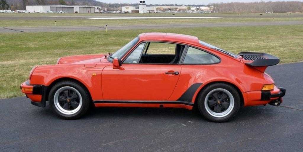 Paul Walker Car Collection : PORSCHE 930 TURBO