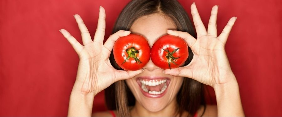 12 DIY Tomato Face Packs That You Can Prepare at Home
