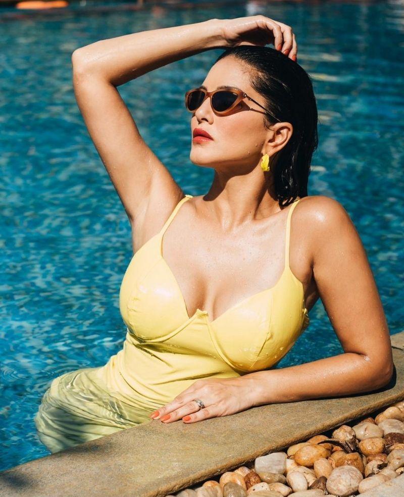 Sunny Leone Bikini Photoshoot